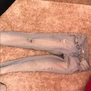 Abercrombie kids light wash jeans size 5/6